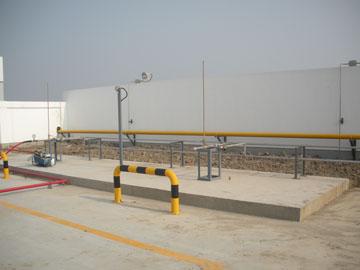卸车柱、高压胶管、燃气报警器及场地防爆灯